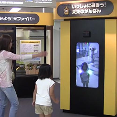 ケイ・オプティコムブース誘導サイネージ@大阪科学技術館